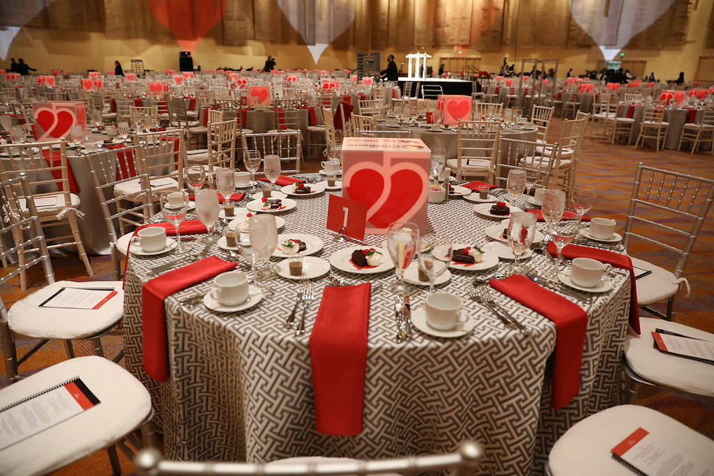 Heart Ball table
